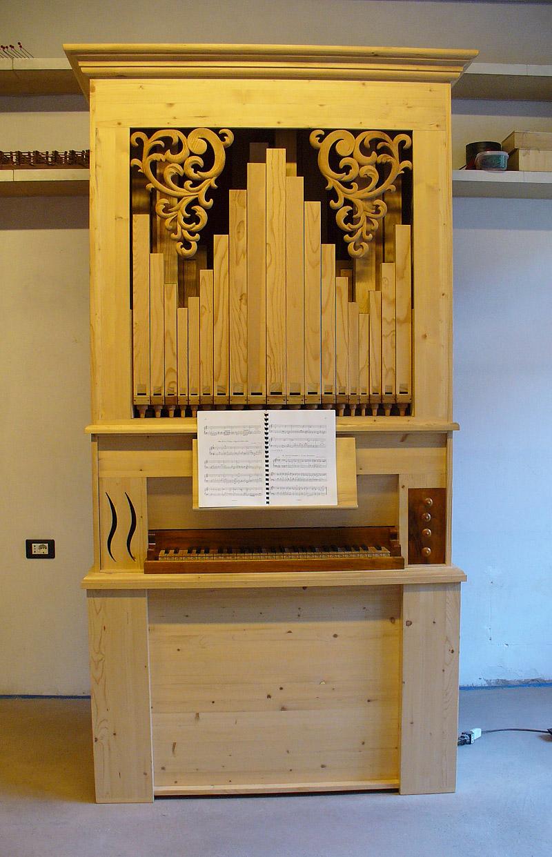 L 39 organo a canne for L organo portativo